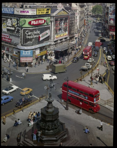 mpdrolet:  Piccadilly Circus, London, c. 1960 David Noble