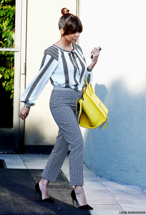 Kourtney Heading To The Bunim-Murray Productions Studio In Van Nuys, CA (May 10th, 2013)