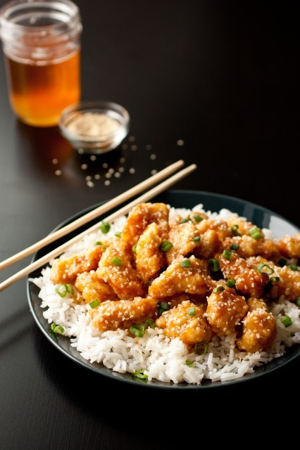 in-my-mouth:  Honey Sesame Chicken   My love sesame chicken