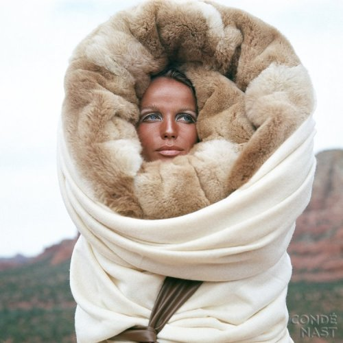 Veruschka, photographed by Franco Rubartelli, in Arizona……a photo shoot for Diana Vreeland,1968.