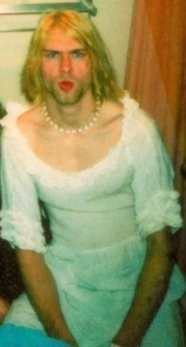 deliriumcobain:  Kurt is a beautiful bride…ahahah