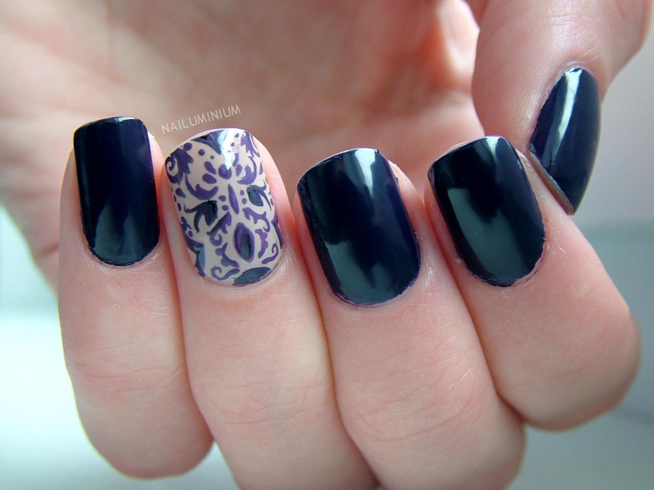 nailuminium:  Brocade Nails