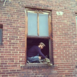 #therealhusbeard #beard #husband #brick #brickwall #window #rust #vintage #old #renovation #hgtv #diy #antique #glass #building #brooklynplace #illinois #southernillinois
