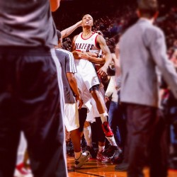 instanba:  . @damianlillard hits the game-winner Sunday night against the Hornets :: http://instagr.am/p/TU6TcCg8LR/