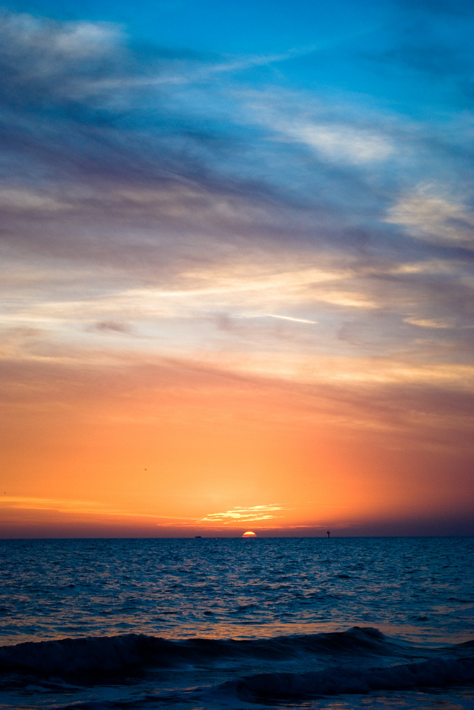 touchdisky:  by emailmejdr  that wonderful sunset!!!