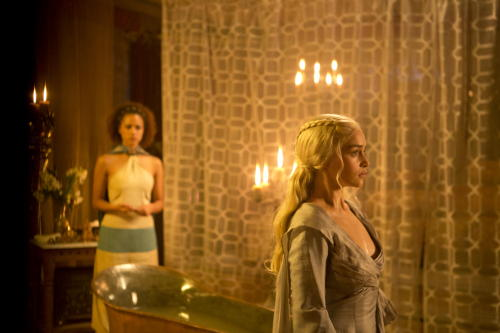 Emilia Clarke as Daenerys and Nathalie Emmanuel as Missandei. S3E8.Second Sons