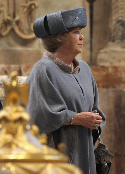 thebritishnobility:   Queen Beatrix to Address Nation Queen Beatrix of the Netherlands is to make a televised announcement, amid speculation in local media that she will abdicate the throne. The queen, who is approaching her 75th birthday, would address the nation at 19:00 local time (18:00 GMT), the royal household said in a statement. Unconfirmed Dutch reports say she will announce her abdication in favour of her son, Prince Willem-Alexander. Queen Beatrix has been head of state since 1980, when her mother abdicated.