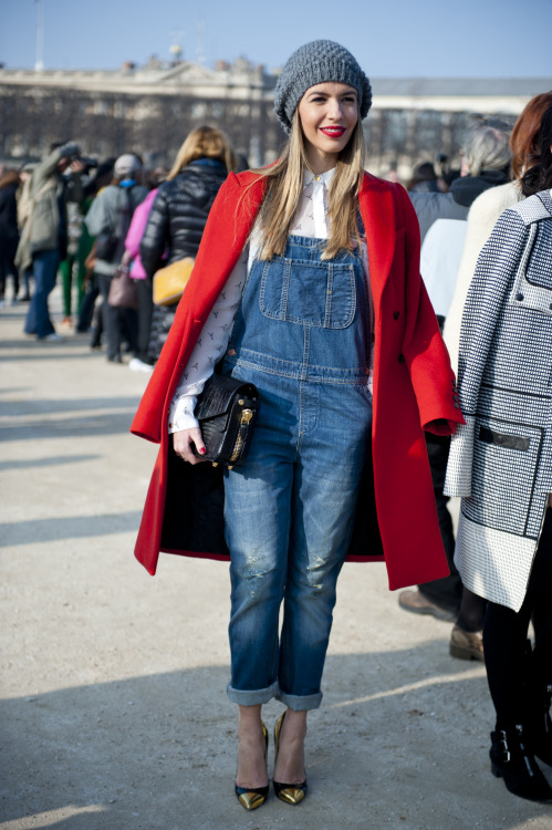 topshop:   We salute to the girl with awesome red lips and the best dungaree combo we have ever laid eyes on.