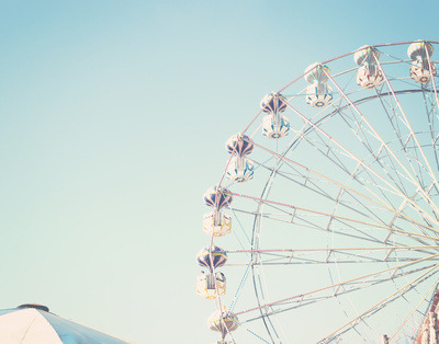 turquoiseblueraindrops:  wheel on We Heart It. http://weheartit.com/entry/61600712/via/ameliaelina