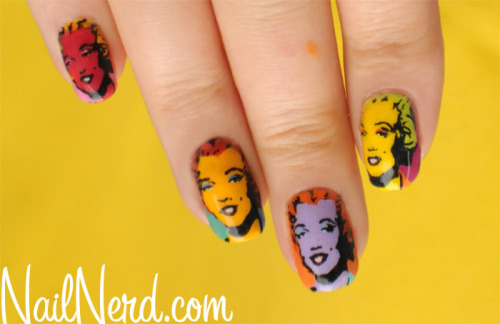 nail art on We Heart It - http://weheartit.com/entry/57292483/via/marynaoliveira