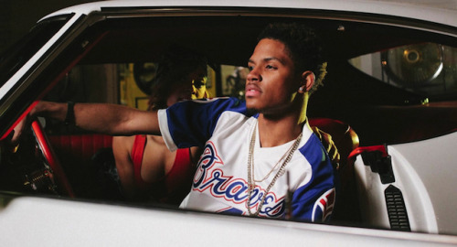 "Malachiae Warren Ft. Migos - Thank Yo Momma [Video]After  burning up Atlanta radio all summer long, 19-year-old crooner Malachiae  Warren aims to keep the summer going in his grown and sexy new video,  'Thank Yo Momma.' Premiering this week on VIBE, the visual features  cameos from Migos, Kap G and more. Watch the video below and stream ""The Rideout"" EP here.[WATCH VIDEO HERE]"