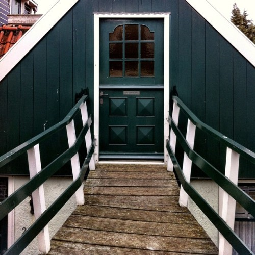 #dutch #doorporn #volendam #beach #netherlands #green  (at Volendam)