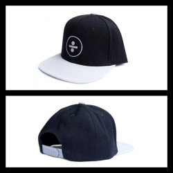 This New Grey Division 2 tone snap back just landed in store! Be quick