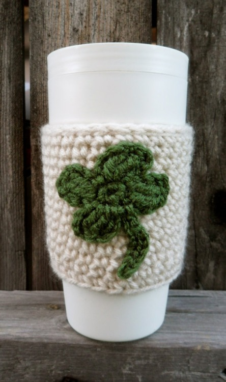 handmadepride:  Click here for more St. Patrick's day ideas.