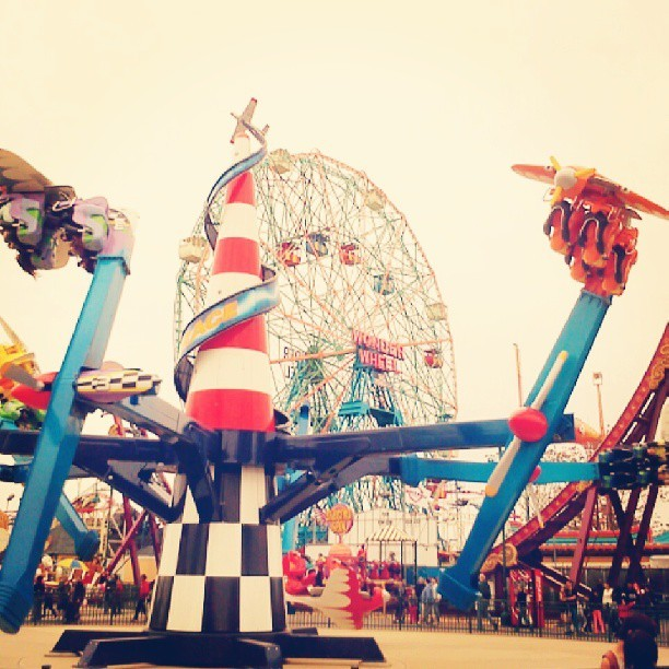 Wonder Wheel #ConeyIsland #NYC #funfair