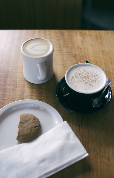 sunst0ne:  A Saturday afternoon coffee break (by Pink Scarf)