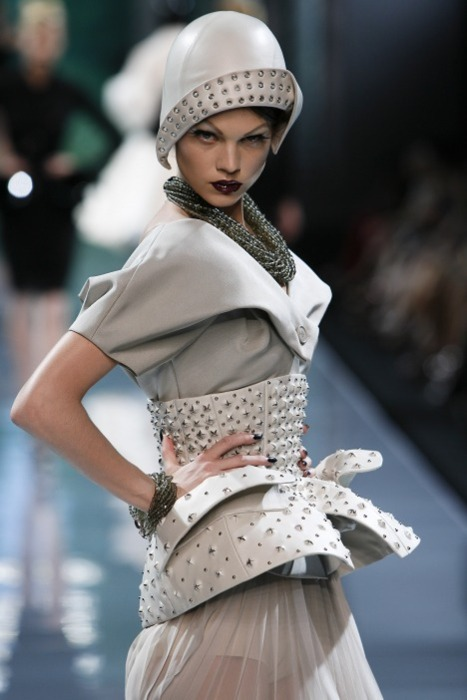 notordinaryfashion:  Christian Dior Haute Couture  John Galliano