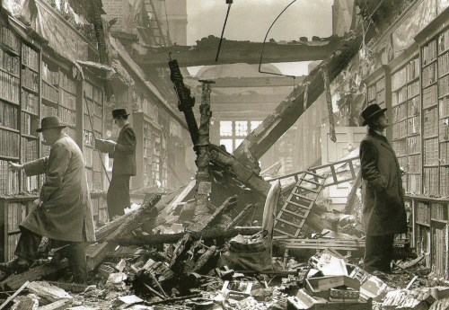 wehadfacesthen:  A bookshop in West London, England, October 22, 1940, during the Battle of Britain via semioticapocalypse  (from robotcosmonaut & Bookshelfporn)