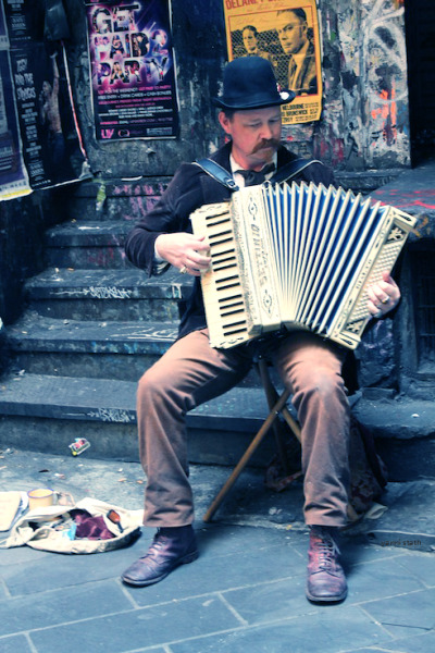 accordion player. melbourne.