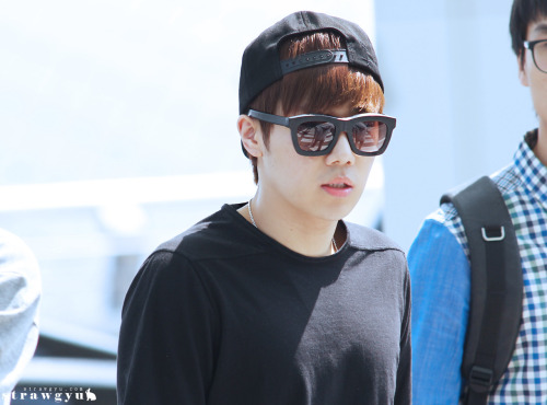 ohmygyuyeol:  130517 Sunggyu @ Incheon Airport (cr. strawgyu)Please do not edit/remove watermar