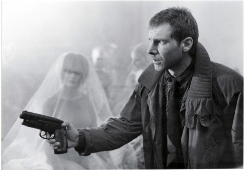 norriei:  termsoutta:  Ridley Scott - Blade Runner (1982)   I think it's time for my yearly viewing of Blade Runner.