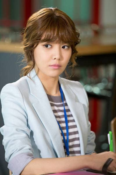 130516 [PRESS] Sooyoung : Dating Agency; Cyrano Drama Images - tvN released photos of the drama and Sooyoung (Minyoung) looking serious here. 11 days to go folks~^^ Source: oh!boy project
