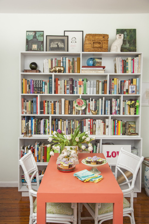 matchbookmag:  Jane Lilly Warren's bookshelf… (photo: Courtney Apple / Matchbook March '13)