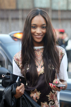 manhatten-s:   femalemodels:  28. JOURDAN DUNN.  love herrrr