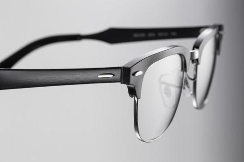 The new #Clubmaster is #RESISTANTasALUMINUM // Discover more @ www.ray-ban.com