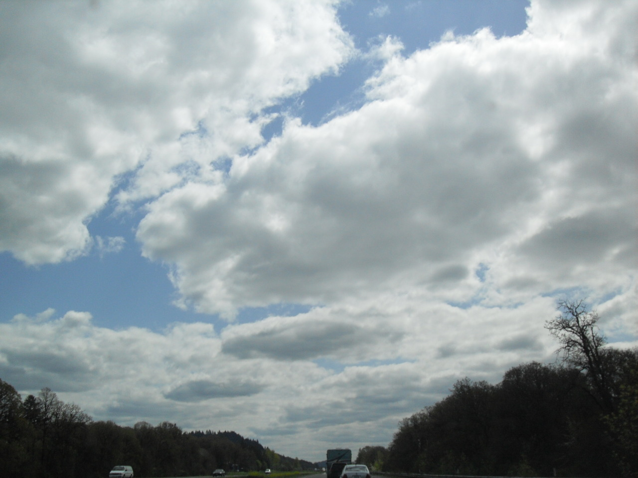 clouds above I-5