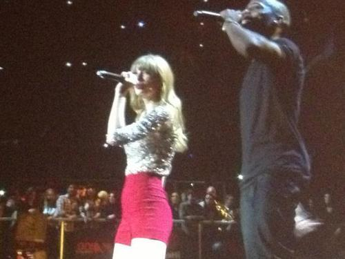 kendallxmas:  Taylor and B.O.B. performing Both of Us!