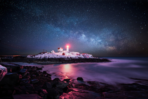 brutalgeneration:  Winter Nubble Light (by moe chen)