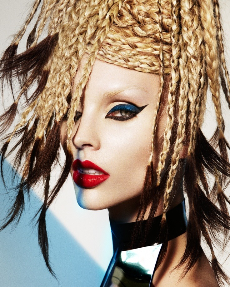 makeupartistsmeet:   Unconventional Hair & Makeup!  Daring? What do you think about this look? Makeup: Kylie O'Toole Website: www.kylieotoole.com Photography: