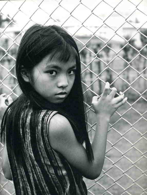 (via SPECIAL JAPAN > PHOTOGRAPHY > OKINAWA'S GIRLS - Kishin Shinoyama - Timeless Shop)