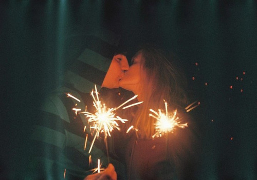 nascor:  december kiss by .nevara on Flickr.