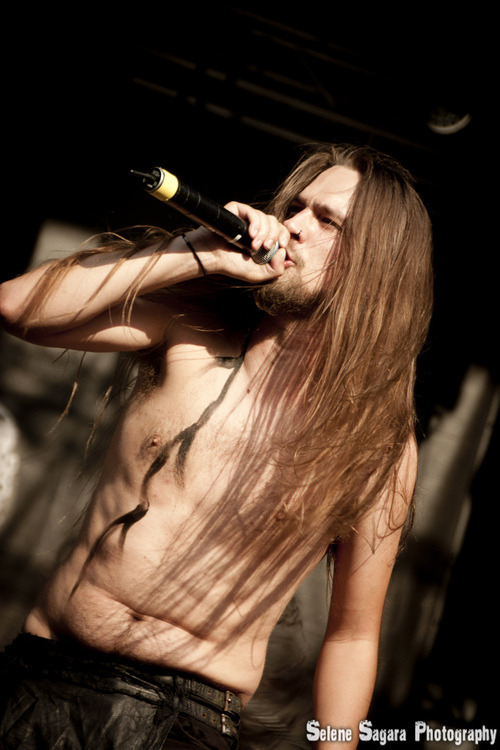 vikingrid:  Oh My fucking god, Look at his tummy ,so fucking perfect *¬*