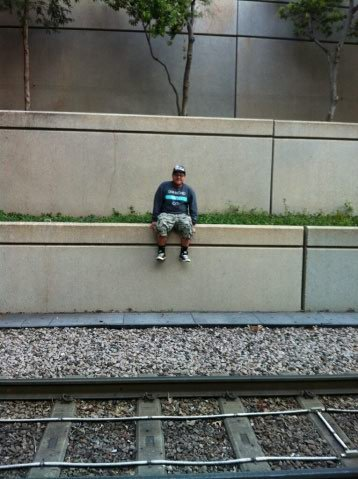 eduardoramirez:i was bored waiting for the train today~