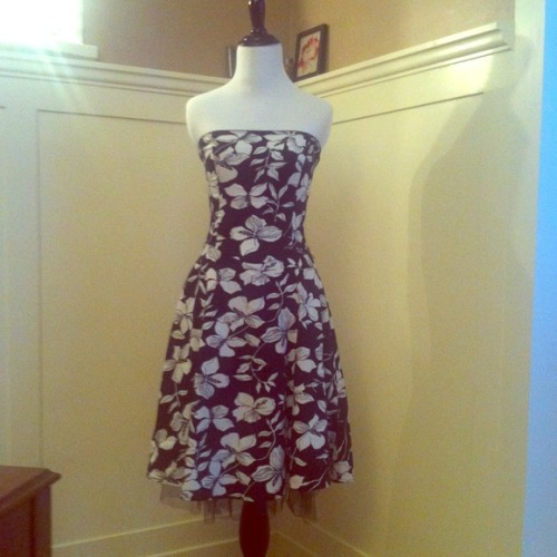 I just added this to my closet on Poshmark: Strapless party dress. (http://bit.ly/UuPq26) #poshmark #fashion #shopping #shopmycloset