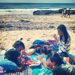 Sol Ely Judy Sharon Bella #beach #bestfriends #wonderfulpeople  (at Laguna Beach)