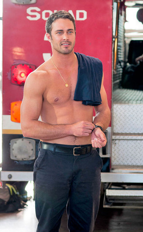 flawedlovabletaylor:  Taylor Kinney is downright gorgeous. I love him on Chicago Fire. :)
