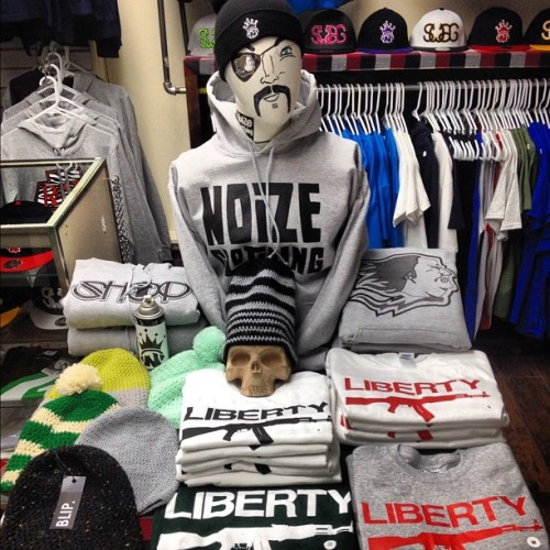 Fresh Liberty tees $10, Blip knit hats $25, Shop, Noize, & BF hoods $25, and Noize beanies $10. Get some great deals on your last minute Xmas shopping and support local! #dope #fresh #hoodie #beanie #hats #shop #supportlocal #clothing