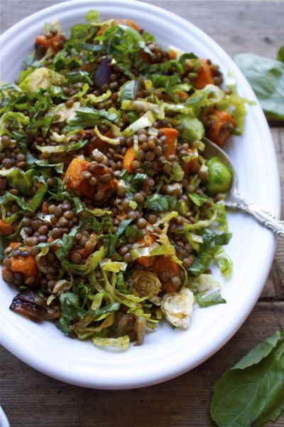 thehealthyhappyvegan:  emigetsfit:  french lentil and vegetable salad  So simple, and looks delicious! Only 8 ingredients!