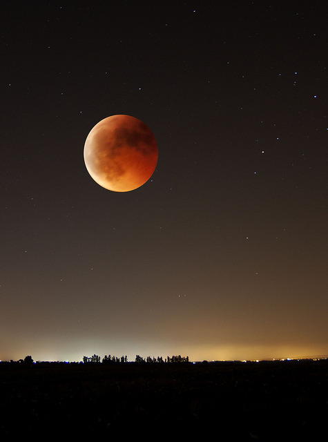 darkw00ds:  Total Eclipse … by Pazav70 on Flickr.