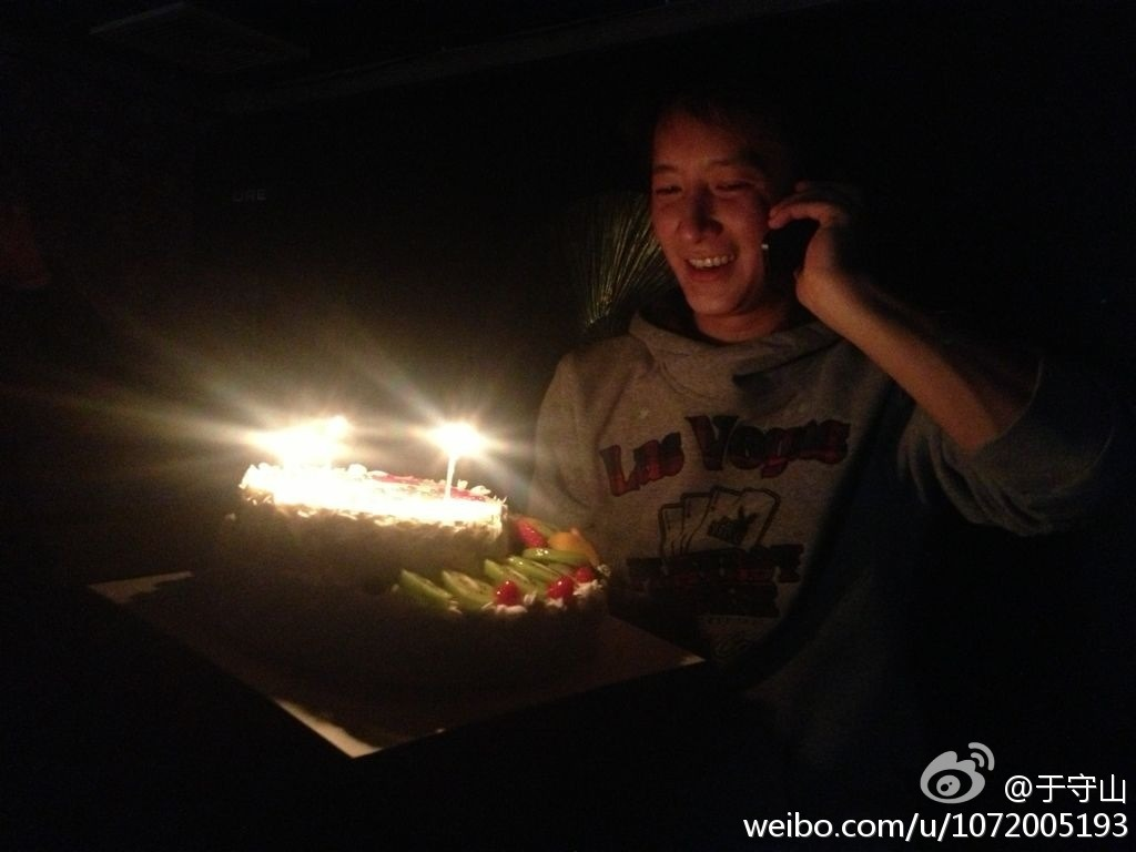 fuckyeahhangeng:  (130209) #HappyHanGengDay | cr: 于守山