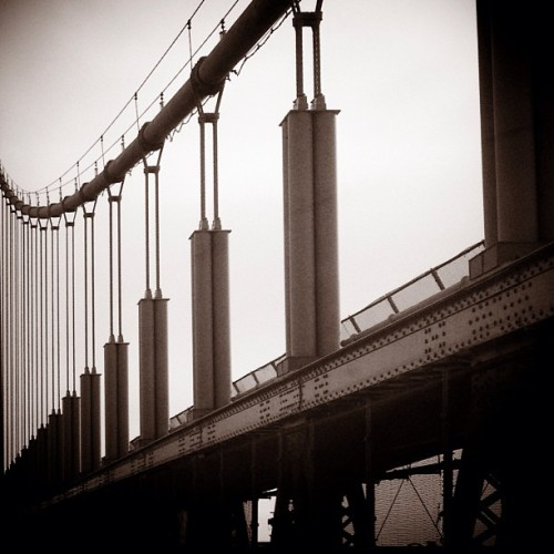 Abstraction. #triboro #triborough #bridge #suspensionbridge #nyc #abstract #shootermag #mabp