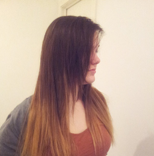 So in January, after a lot of going back and forth, I decided to get my hair done and went for the ombre effect.. only that turned out a total disaster. A week or two later I dyed it back to dark brown, only recently the blonde started to show again, but it was looking very weird and gross SOOOo me and my friend researched a ton of DIY ombre videos on youtube and.. Yay! Decent looking ombre!