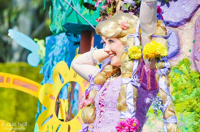 disneyendlessmagic:  Mickey's Soundsational Parade - Royal Princess Romantic Melodies by caliscreamindreamin on Flickr.