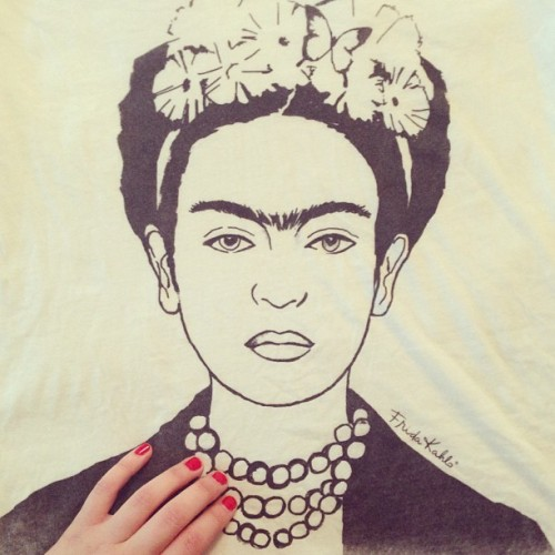 frida t-shirt courtesy of forever 21. obsessed.