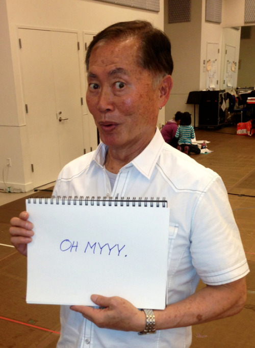 "leonardo-dicaprisun:  buzzfeed:  George Takei responds to ""traditional"" marriage fans.   i'm crying"