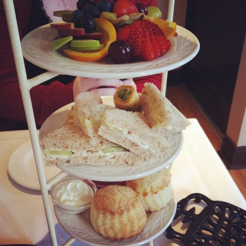 High tea with @korps bestbestbestbest #hightea #tea #food #sandwhich #dessert #scones #fruit #lunch #yum